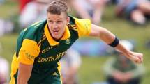 Morne-Morkel-of-South-Africa-bowls-2