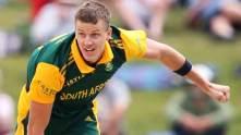 Morne-Morkel-of-South-Africa-bowls-2