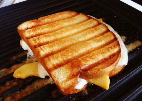 toasted-egg-cheese-sandwich