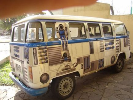 volkswagen-bus-gets-a-r2-d2-makeover-pics
