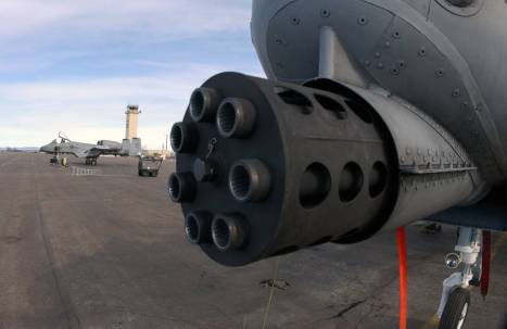 gau-8-avenger-the-massive-gun-that-gives-the-a-10-thunderbolt-ii-also-known-as-the-warthog-it-s-fearsome-reputation