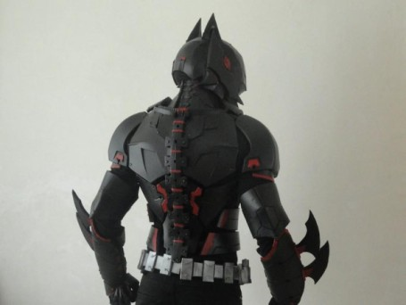 cosplayer-creates-insanely-cool-new-batman-armor-10-photos