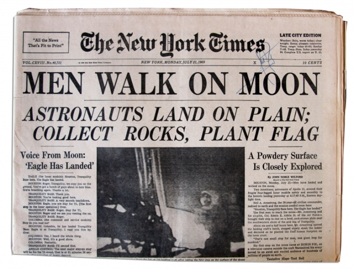 Men-walk-on-the-moon