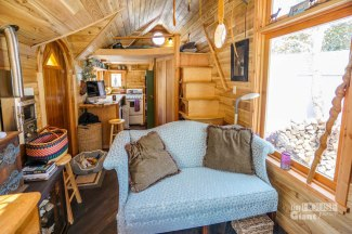 These-People-Live-In-Houses-Smaller-Than-Your-Bedroom28__880