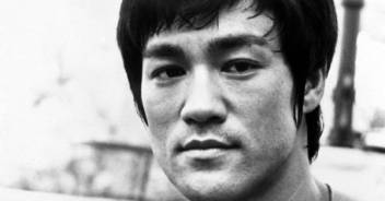 be-like-water-the-philosophy-and-origin-of-bruce-lee-s-famous-metaphor-for-resilience