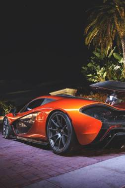 vividessentials-mclaren-p1-light-painting-vividessentials
