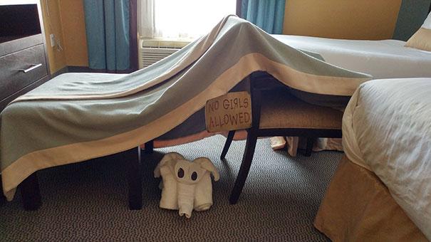 funny-hotel-staff-requests-8-57ceb4a7e194e__605
